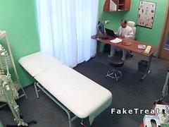 il paziente Cornea scopa in tutto l'ufficio
