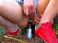 Copo de cerveja em adolescentes analhole