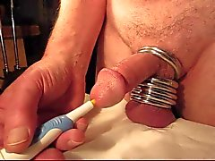 Close-up Orgasmus mit urethrale Vibrator
