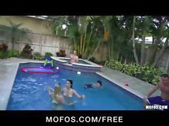 Two teens skinny dip and get an orgy going out by the pool
