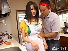 asyali ev hanımıdır Val mutfakta soyuldu olur