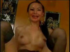 Mature MILF Ange Venus can spread wide for that deep anal penetration
