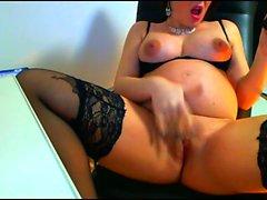 Hamile genç Lizzy evde webcam oynuyor