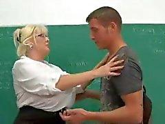 hardfucked büyük memeli öğretmen