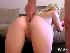 Canadian golden-haired does anal in uk casting Vidéos pornos HD
