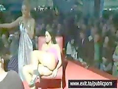 Sahnede Kamu Mastürbasyon ve Orgazm Yarışması