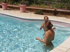 Dani Daniels Pool Go Pro Spaß - Szene 1