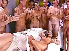 Mädchen, in Gangbang & Sperma schlucken 8.