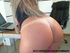 Sexy blonde secretary streaming live at the