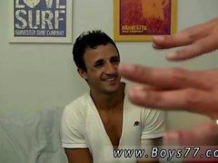 Nackt tan Jungen Homosexuell Porno Wir haben heute Eli mit uns. Elis liegt fr