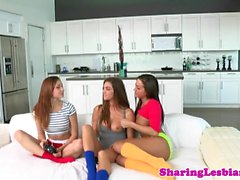 Girlfriend pussylicks dyke in sapphic trio