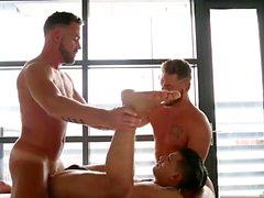 Muscle Homosexuell Flip Flop und Gesichtsbehandlung