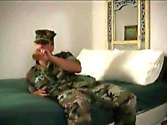 militaire encule un mec