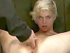 Alistuva Chloe - BDSM orgasmit