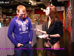 Jeny Smith interviews a guy at museum
