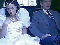 Brautleute im Dorf