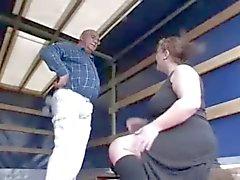 Azgın Fat BBW kız para için yaşlı horoz emme