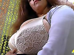 LATINCHILI Rosaly is masturbating her fat latin granny pussy