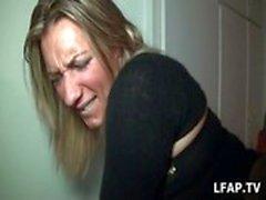 Sextape d&#039_une blonde entrain de se faire defoncer par un black
