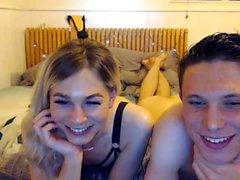 Blondi teini emo webbikamera suihin