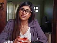 Mia Khalifa get cumshot on her face