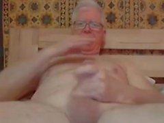 coup de grand-père et jeu sur webcam