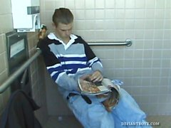 Unga kristna Toilet Stöttnings-