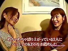 2 Asian Girls Kissing Sucking Tongues sohvalla ja sängylläHotel Roo