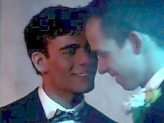 Kostenlose hot emo Homosexuell Porno-Videos ersten Mal, als Max 'Vater Surpr schaut