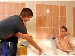 Ванна с водным массажем Секс