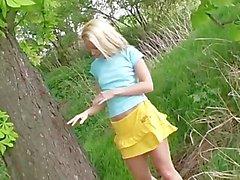 A fille qui a grimpe aux arbres , est correct par moi