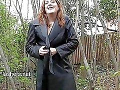 Amateur babe Jannas public masturbation
