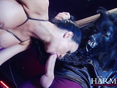 Jasmine Jae loves to fuck with two horny beasts