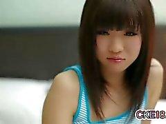Única adolescente que Japanese Tangas embroma