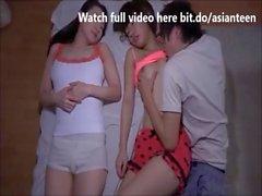 p2 adolescente asiática dormindo