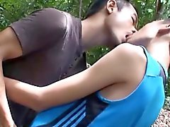 Asian Twinks Jacop y Oliver pipi y la cogida