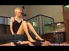Maid worships feet