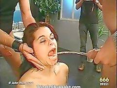 Populära Borsta tänderna med sperma videor