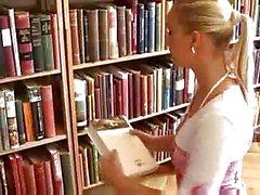 SPIELE IN DER BIBLIOTHEK ( von tm)