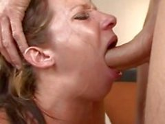 Jada Stevens blir throated rå