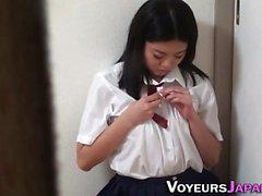 Bendy japanese teen rubs