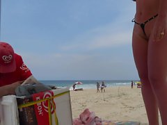 novinha bikini fio dental frontal cameltoe praia