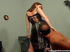 Super slut makes her man feel some real pain