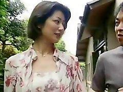 Японского видео- 232 жену маленькие сиськи