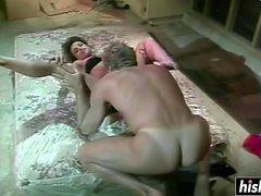 Asia Carrera enjoys an amazing threesome