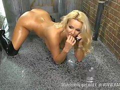 Dani Harwood naked & oiled up