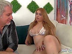 Och sexig kåt asiatisk fylligare Arianny Koda hardcore sex