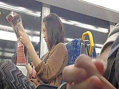 Вспышка Asian Girl на поезд