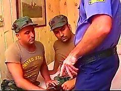 Militära män & Cop