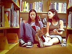Mila Kunis e Zoe Saldana Após a compilação Sexo